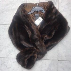 Adrianna Papell Evening Essential mink wrap